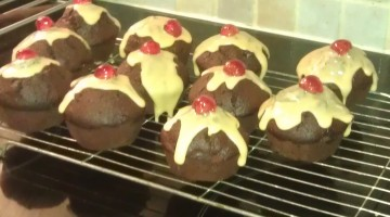 Christmas Pudding Cup Cakes