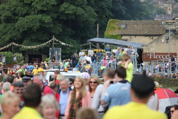 Crowds gather for stage 2 of the tour de France cote de ripponden